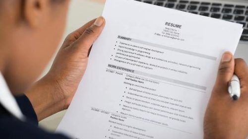 8 things that you should avoid adding to your resume